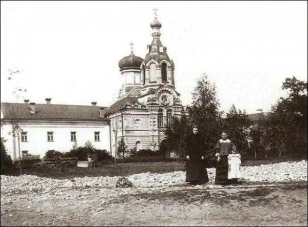 - Catholic church of Blessed Virgin Mary and the Monastery of Franciscan. Former monastery, after rebuild into Russian church in 1883. Photos 1904-1905 g.