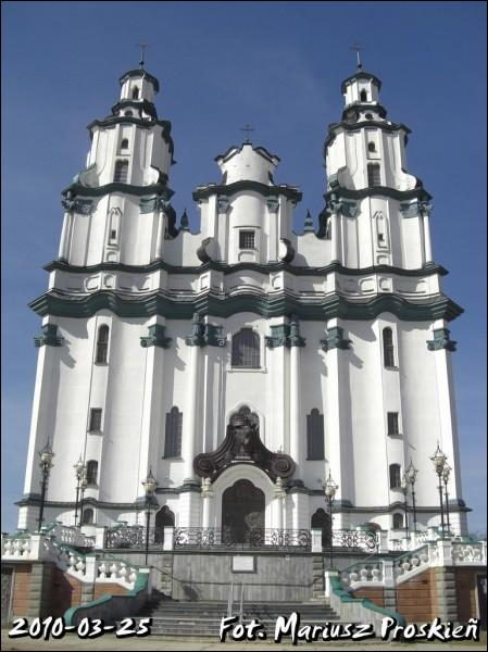 - Catholic church of the Resurrection. Main facade