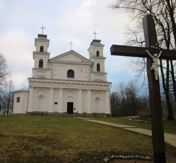 Varonča |  Catholic church of St. Anne.