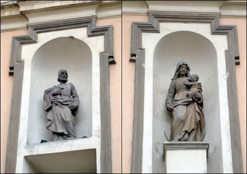 Vilnius |  Catholic church of St. Theresa (of the Carmelites). Main facade, sculptures