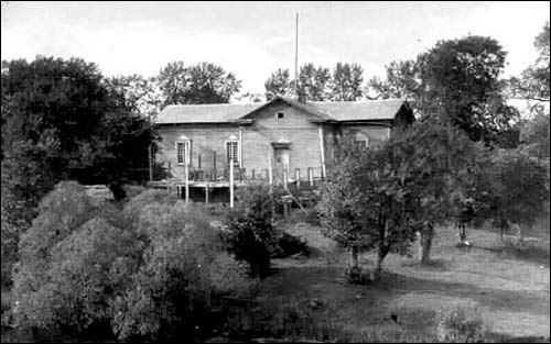 - Orthodox church of the Assumption. Building of the church after it's rebuild into the town club at the photo by Zalmon Furman from 1930th (shtetlinks.jewishgen.org)